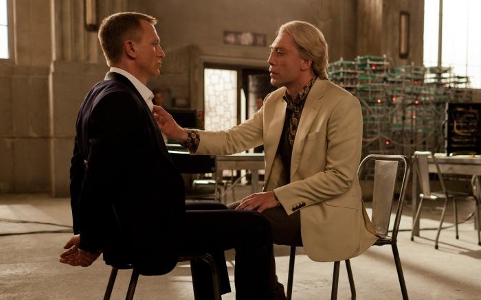 Skyfall-James-Bond-and-Raoul-Silva