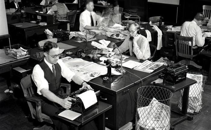 LAT_newsroom_-_1932