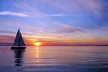 Sailing-on-a-beautiful-night